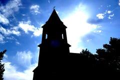Kyrktaga med en sikt av den blåa himlen Royaltyfri Foto