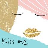 Kyssa mig den idérika illustrationflickaståenden med guld- kanter Arkivbilder