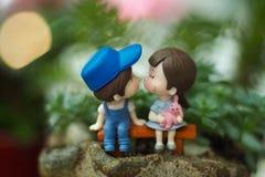 Kyssande dockor Royaltyfria Bilder