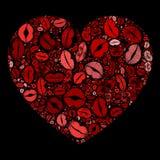 Kyssande kanter för röd hjärta som är mosaiska på svart bakgrund Arkivfoton