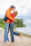 kysste kustpar älskar flodbarn Royaltyfri Foto