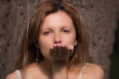 kyssöverföring Arkivbild