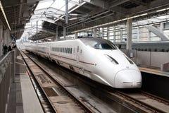 Kyushu Shinkansen tren de punto negro de 800 series Foto de archivo libre de regalías