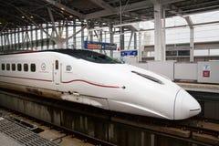 Kyushu Shinkansen treno di richiamo di 800 serie Fotografie Stock Libere da Diritti