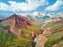 Kyzyl sztuki przepustka między Kirgistan i Tajikistan, nabierający Augus obrazy stock