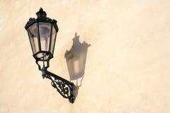 Lámpara antigua. Foto de archivo libre de regalías