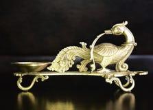 Lámpara antigua de cobre amarillo Imágenes de archivo libres de regalías