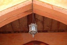 Lámpara antigua tradicional en el fuerte de Agra Imagen de archivo libre de regalías