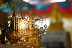 Lámpara con los colgantes cristalinos Foto de archivo