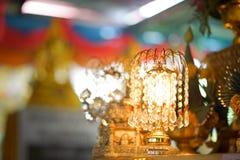 Lámpara con los colgantes cristalinos Imagen de archivo libre de regalías