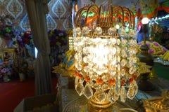 Lámpara con los colgantes cristalinos Fotografía de archivo libre de regalías