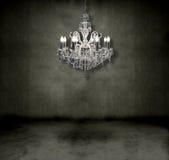 Lámpara cristalina en un cuarto Foto de archivo libre de regalías
