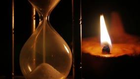 Lámpara de aceite del reloj de arena y de la arcilla metrajes