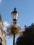 Lámpara de calle con las flores Imagen de archivo