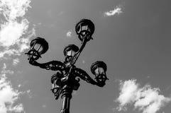Lámpara de calle del vintage de Black&white fotografía de archivo