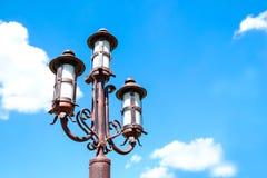 Lámpara de calle en el viejo estilo foto de archivo libre de regalías