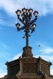 Lámpara de calle hermosa del arrabio del vintage Fotos de archivo