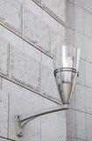Lámpara de calle moderna en la pared Imagenes de archivo