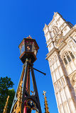 Lámpara de calle vieja delante de la abadía de Westminster famosa Imágenes de archivo libres de regalías