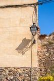 Lámpara de calle vieja en el pueblo de Pubol Fotos de archivo libres de regalías