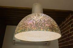 Lámpara de las medusas de Cristal con el fondo negro foto de archivo libre de regalías
