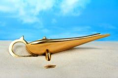 Lámpara de los genios de Aladdin Fotos de archivo libres de regalías