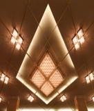 Lámpara de lujo con forma del diamante, decoración interior Imagen de archivo libre de regalías