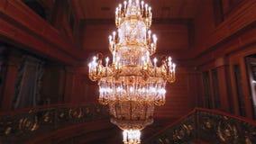 Lámpara de lujo de los cristales metrajes