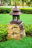 Lámpara de madera en el parque Fotos de archivo