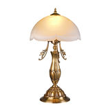 Lámpara de mesa del vintage aislada en blanco Imagen de archivo