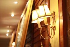 lámpara de pared elegante encendido imagen de archivo