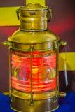 Lámpara de señal submarina vieja del vintage, un dispositivo de la señalización visual para la comunicación óptica fotos de archivo libres de regalías
