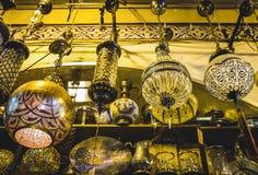 Lámpara del vintage en bazar magnífico fotografía de archivo libre de regalías