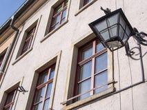 Lámpara en el cuadrado del townhall, Jelenia Gora, Polonia Fotografía de archivo