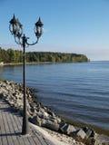 Lámpara en el lago Imagenes de archivo