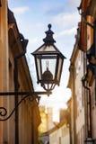 Lámpara en Estocolmo Suecia, madrugada foto de archivo