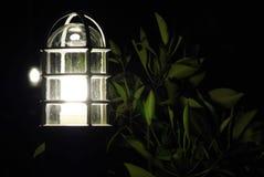 Lámpara en jardín Fotografía de archivo
