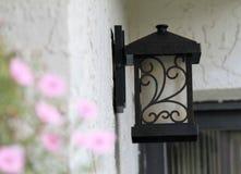 Lámpara exterior de la casa foto de archivo libre de regalías
