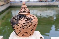 Lámpara hecha de ladrillo en el área de templo Foto de archivo