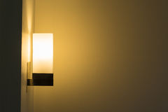 Lámpara moderna en la pared Imágenes de archivo libres de regalías