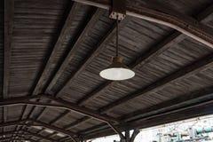 Lámpara retra vieja Imágenes de archivo libres de regalías