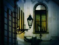 Lámpara romántica de la ciudad foto de archivo