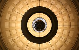 Lámpara simétrica de la bola Fotografía de archivo libre de regalías