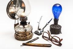 Lámpara y maquinilla de afeitar Fotografía de archivo libre de regalías