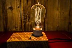 Lámparas antiguas con Edison Light Bulbs Foto de archivo libre de regalías