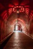 Lámparas antiguas de las lámparas en la mazmorra de la cueva Imagen de archivo libre de regalías