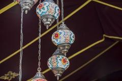 Lámparas cristalinas en una feria medieval tradicional en el ¡de Henar de Alcalà foto de archivo