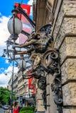 Lámparas de calle en Budapest, Hungría Imágenes de archivo libres de regalías