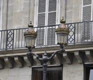 Lámparas de calle en París Fotografía de archivo libre de regalías