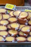 Lámparas de la mantequilla como ofrecimiento en el templo, Chennai, Tamil Nadu imagen de archivo